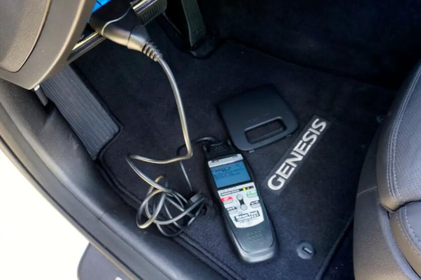 How-to-Use-an-OBD-II-Scan-Tool-2